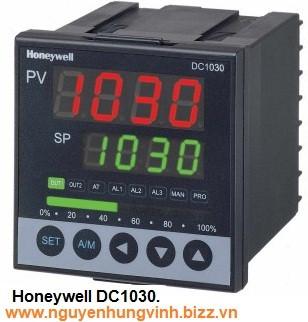 Bộ điều khiển nhiệt độ PID DC1030CT-102-000-E